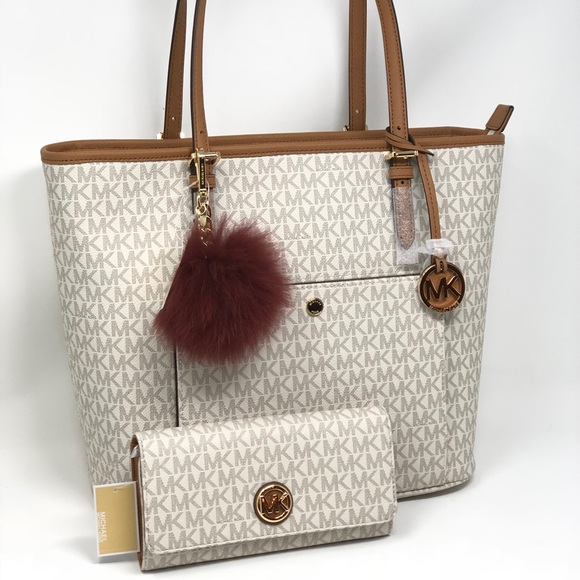 6d4a5ba7e53f Michael kors large tote bag+wallet +Pom pom set